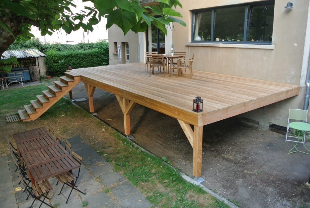 Terrasse suspendue beton photo photos de conception de for Prix terrasse bois suspendue
