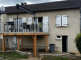 Terrasse Bois Composite Suspendue à 2.50 m – 22m2 – Gavisse
