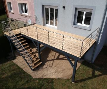 Terrasse sur Pilotis Bois – Mélèze – 21m²
