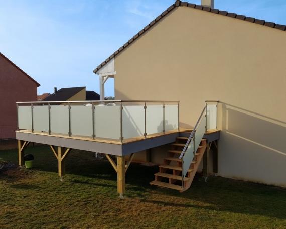 Terrasse sur Pilotis Bois – Mélèze – 20m²