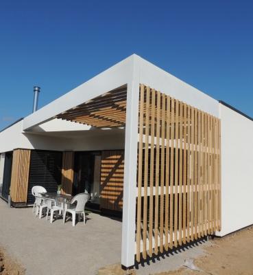 pergola maison un lieu de convivialit ouvert sur. Black Bedroom Furniture Sets. Home Design Ideas